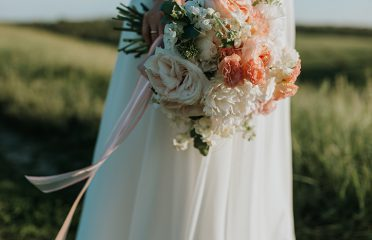 Article-Living-Coral-Bride-Bouquet