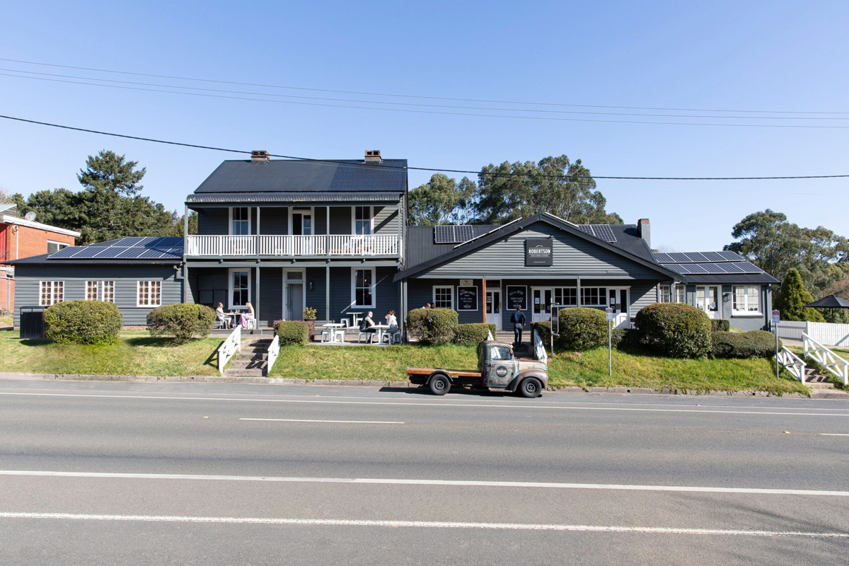 Robertson Public House & Kitchen